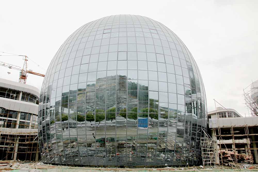 云港廣場一期B區B5棟鋼結構玻璃房工程